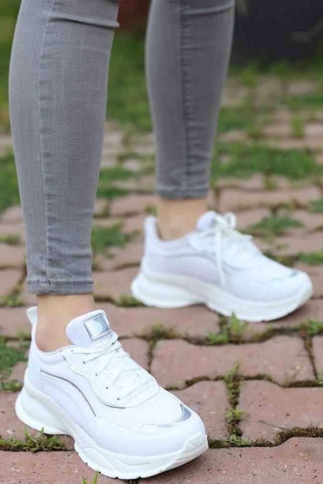 حذاء سيدات