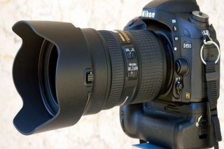 Lens Nikon 24-70 f/2.8 good Condition with cap And hood