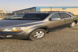 للبيع سيارة كيا سيرنتو2008