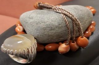 احجار كريمة طبيعية