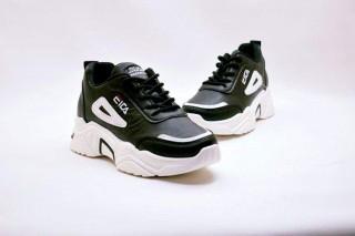 حذاء سبورت فيتنامي