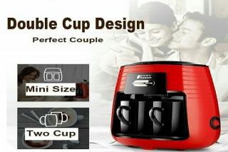 ماكينة القهوة مع كوبين سيراميك